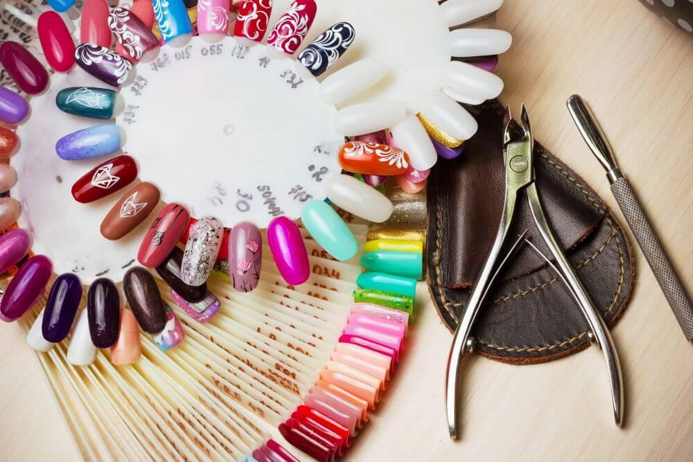 Szablony do malowania paznokci – które wybrać?